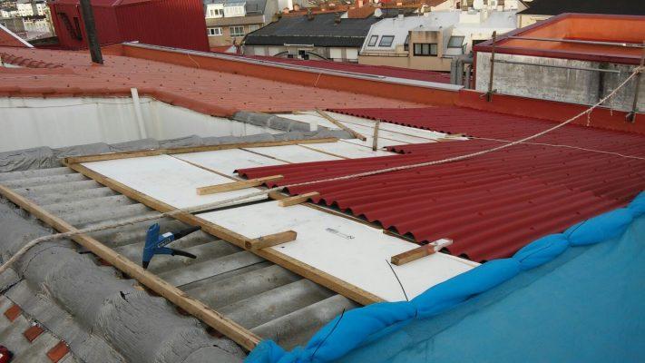 Rehabilitación de cubierta con Onducober, en c/ Bergondo, A Coruña